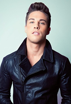 Dean Geyer... I don't know who this is but yumm ;)