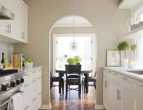 Crisp white cabinets walls in ben moore clay beige oc 11 for Beige kitchen cabinets wall color