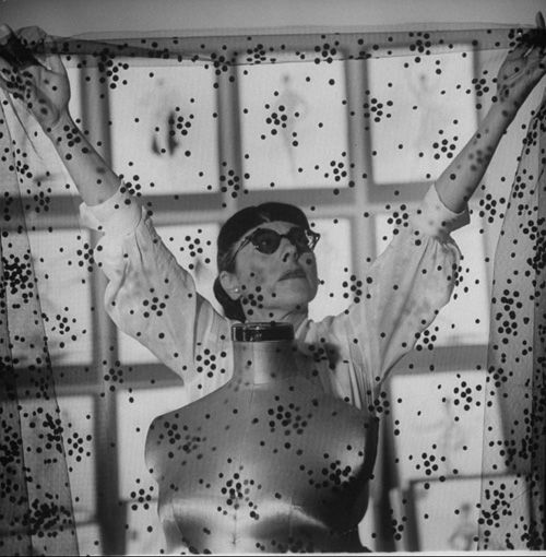 """EDITH HEAD (1897-1981)    Legendary costume designer, Ms. Head--aka the """"Dress Doctor""""--was as glamorous as the stars she dressed, and she dressed countless major Old Hollywood stars in some of their most memorable roles. If you loved Grace Kelly's iconic look in Rear Window or Audrey Hepburn's lavish wardrobe in Funny Face, one of Hollywood's ultimate fashion movies, take your hat off to Edith.: Vintage Fashion, Fashion Design, Costumedesign, Hollywood Costume, Costume Design, Amazing People, Photo, Design Edith, Edith Head"""