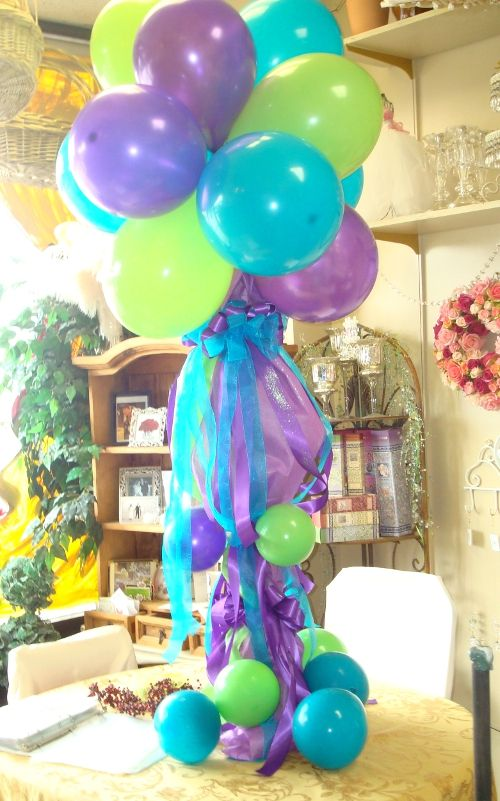 12 best quinceanera centerpieces images on pinterest for Balloon decoration for quinceanera