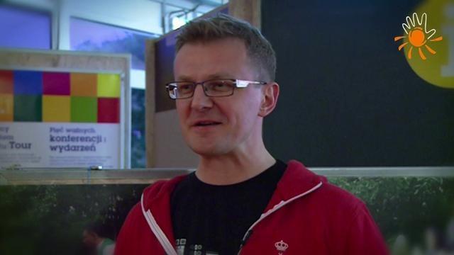 Jaroslaw Herrmann - Kierownik ds. Odpowiedzialności Społecznej w Grupie Żywiec S.A.  Dzień Wolontariatu Pracowniczego w ramach Pawilonu Europejskiego Roku Wolontariatu 2011 (EYV 2011 Tour). Warszawa, Plac Defilad, 7.09.2011