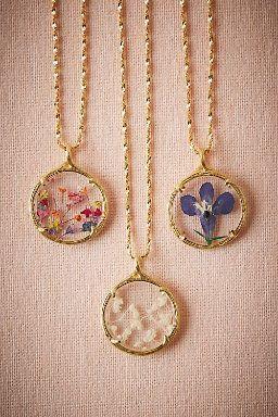 Pressed Flower Necklace – #Alyansyüzük #Düğünyüzükleri #Elmasyüzük #Flo…