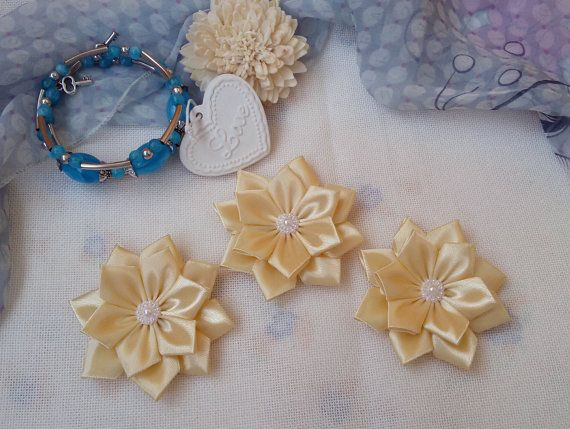 3 big ivory flowers satin ribbon flowers ivory by Rocreanique on Etsy