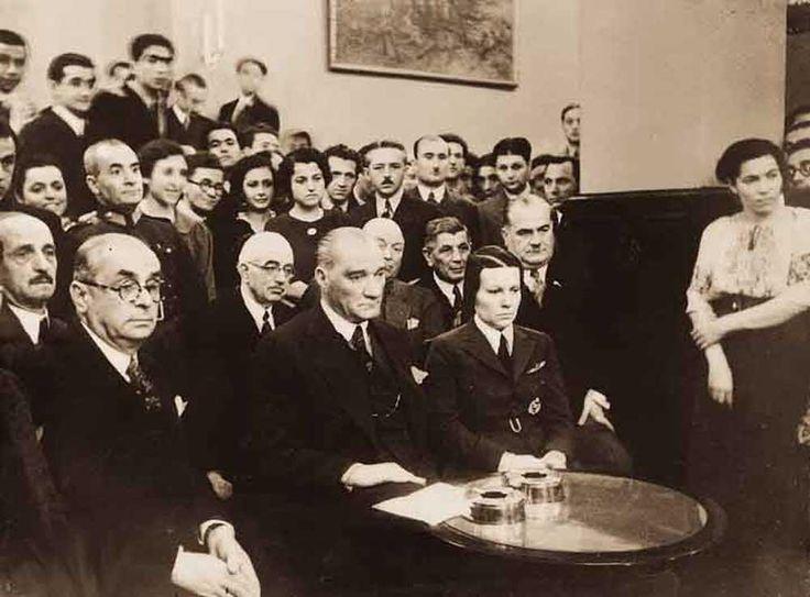 Mustafa Kemal Atatürk'ün az bilinen fotoğraflarından... #TekAdamMustafaKemalATATÜRK pic.twitter.com/VcgZreI5bw