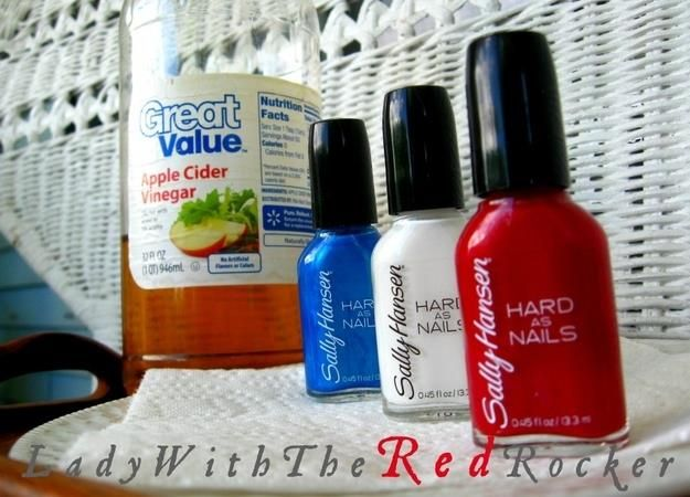 11.Swipe your nails with vinegar before applying nail polish — it'll make your manicure last for 2+ weeks.