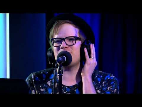 """Community: Fall Out Boy Covered """"Uptown Funk"""" And It Was Delightfully Fantastic"""