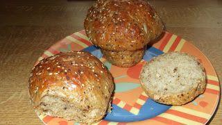 Pilzbrötchen: 530ml warmes Wasser 1/2 Würfel Hefe 1 geh. Teelöffel Salz 2 EL gemahlene Haferkleie 3 EL Weizenkleie 400 g Mehl (z.B. Lupinenmehl) Kräuter, Sonnenblumenkerne, Sesam, Leinsamen