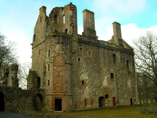 Huntly Castle - 08apr06. Home of the Gordon Highlanders (my family's castle)
