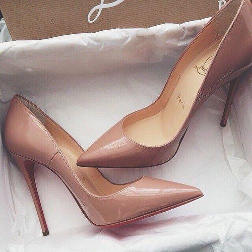 c32c9e9a6bb65 36 best Louboutin♥ images on Pinterest   Chaussures habillées ...