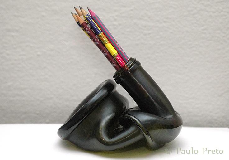Garrafa derretida, porta-lápis