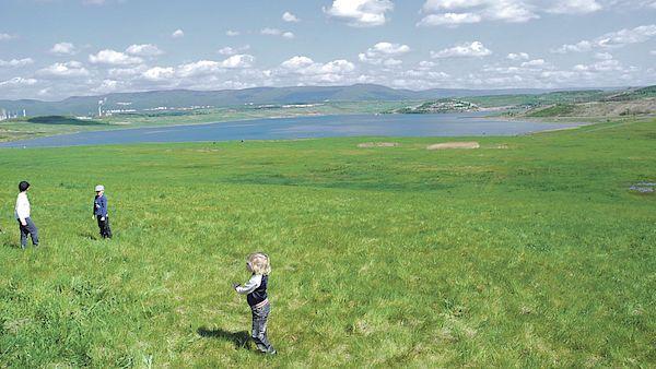Jezero Most se rozkládá na úctyhodné ploše 309 hektarů.