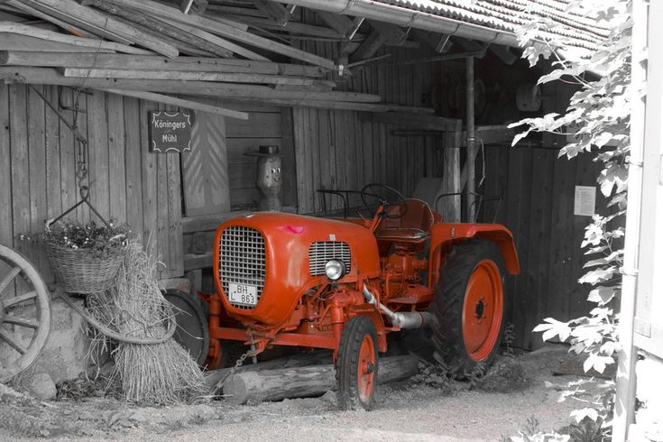 Der kleine rote Traktor.