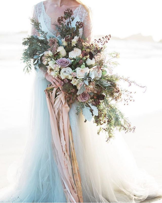 style of bridal bouquet - big (this is gigantic so not soon huge) - organic and wild with flowing ribbon (not color palette)