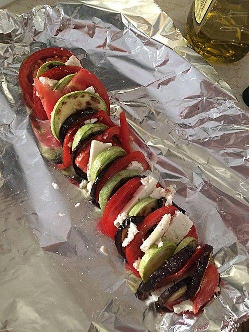 Auberginen-Zucchini-Fetapäckchen, ein leckeres Rezept aus der Kategorie Barbecue & Grill. Bewertungen: 169. Durchschnitt: Ø 4,4.