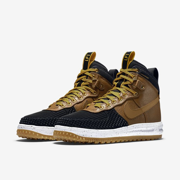 The Nike Lunar Force 1 Duckboot is now showcased in a Black/Gold Dart  finish for this Fall 2015 season. Find it soon from Nike stores.