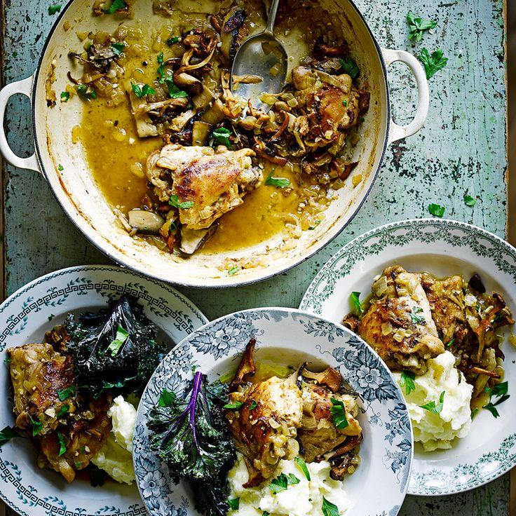 Stoofpot van kip en bospaddenstoelen recept - Jamie magazine