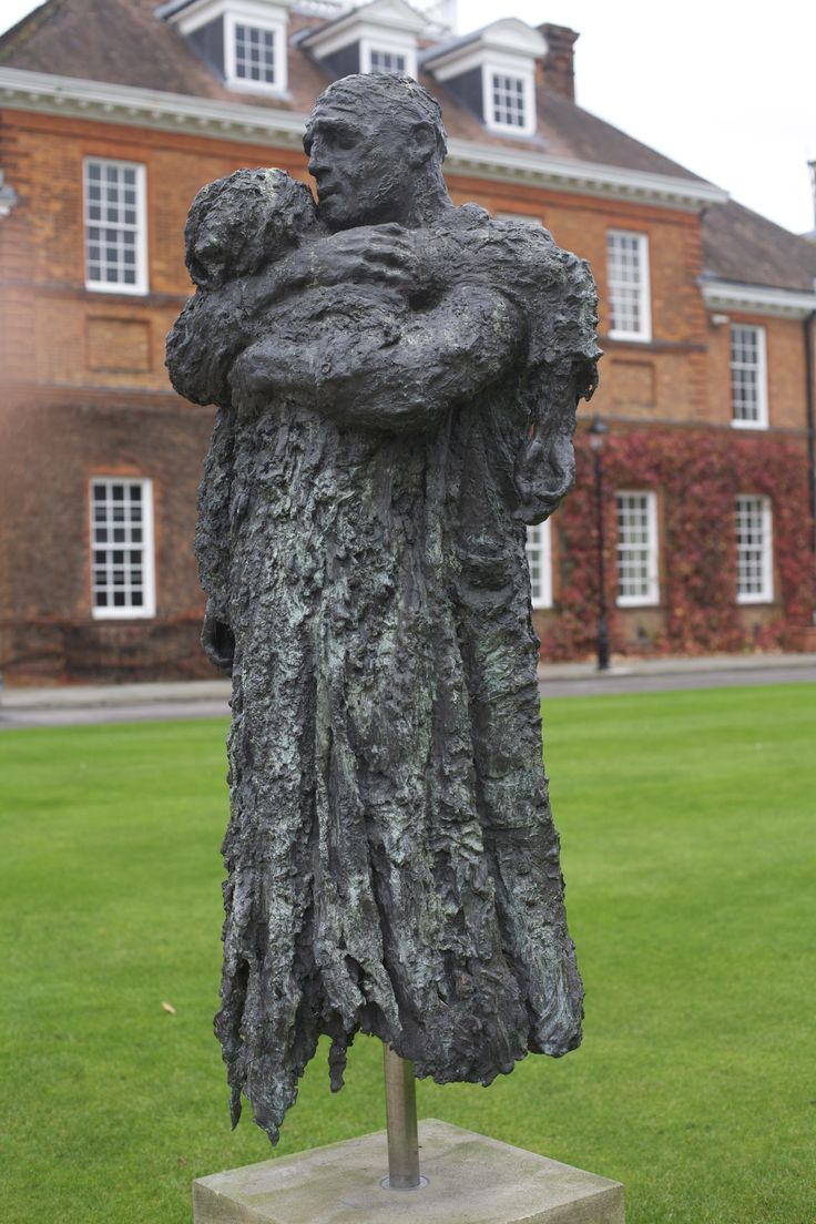 Sculpture – Charlie Mackesy The Prodigal Son