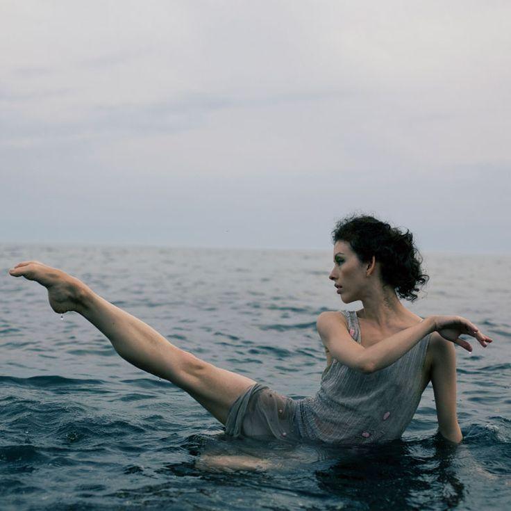 """""""Bathing Beauty"""" from Sesame magazine. Dancer: Juliet Burnett. Photographer: Thuy Vy."""