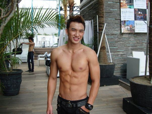 Steven Yoswara // ManHunt // Shirtless