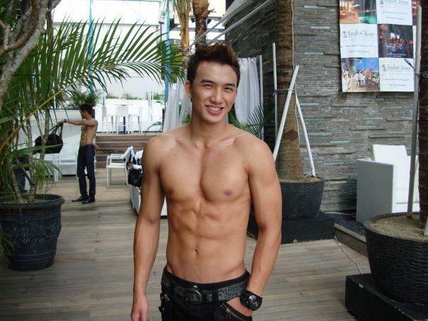 Steven Yoswara // ManHunt // Shirtless