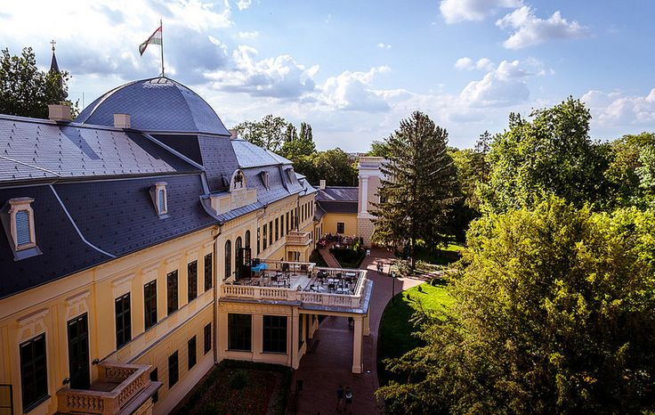 "This photo wasn't taken with a drone, actually at the main entrance into the museum, you have two separate entrances. The first one will lead you into the museum and the second one will lead you to the top of a smaller tower which is a part of the Almasy castle. From there you can … Continue reading ""Almasy Castle From Above"""