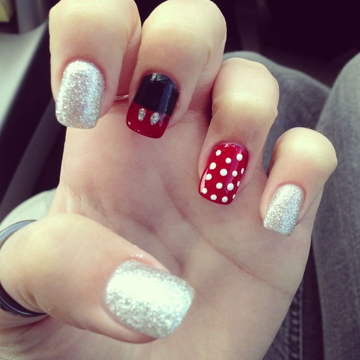 Disney nails #disney #mickey #minnie