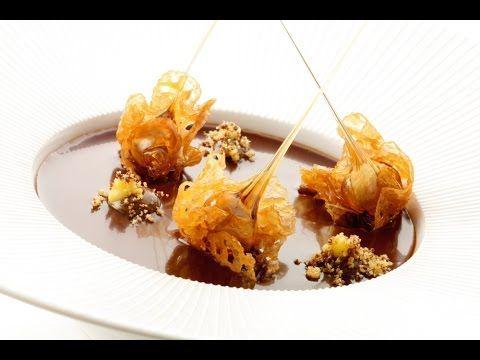 Roger van Damme Desserts - Zwartewoudtaart met bosvruchtenmousse en yoghurt - YouTube