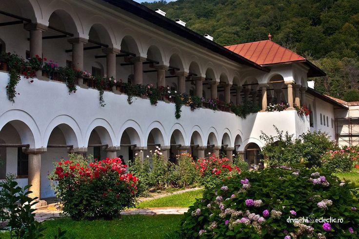 Manastirea Horezu, jud.Valcea, Romania #Romania