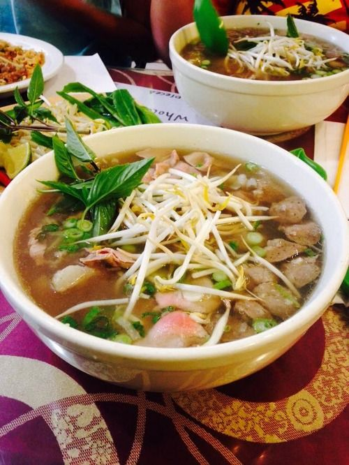 Now this is classic pho! If you haven't tried it, I suggest you go to the nearest Vietnamese restaurant and order some.