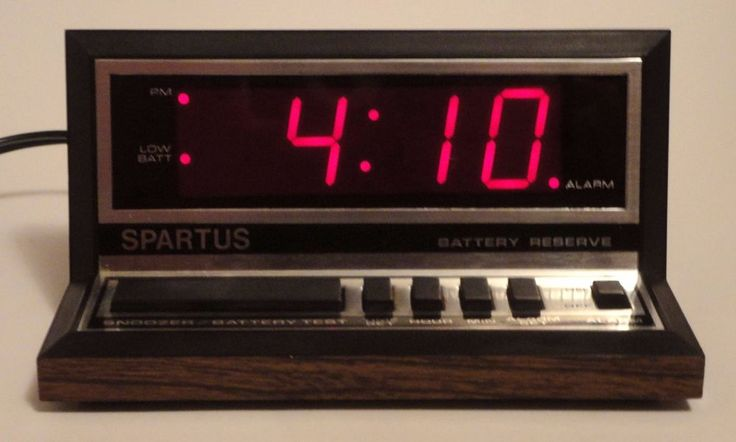 Vintage/Retro Spartus Red LED Digital Alarm Clock Model 1140 http://stores.ebay.com/pricelessfinds/Vintage-Collectible-/_i.html?_fsub=10901744017