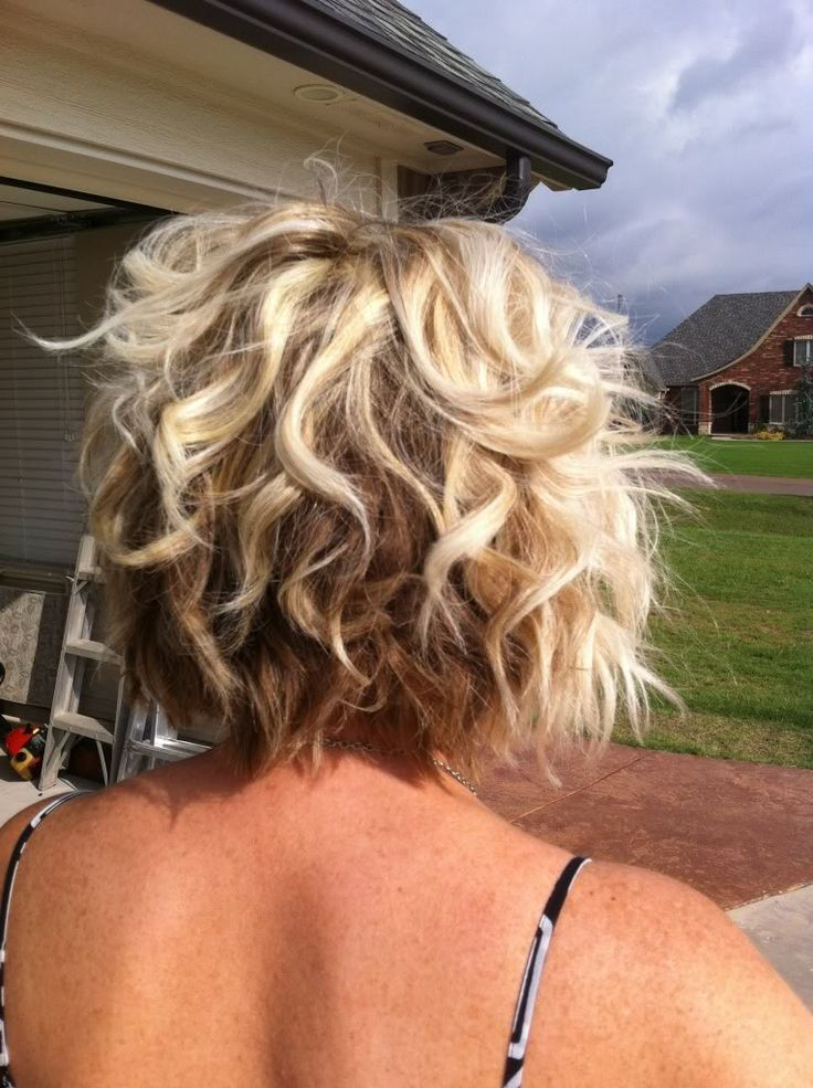 inverted bob hair style best 25 curly angled bobs ideas on 2413