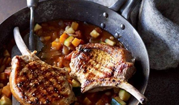 PORK CUTLETS WITH MINESTRONE SAUCE