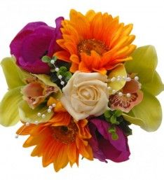 Young Bridesmaids Bouquet in Mixed Flowers with Pearls