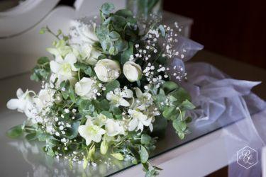 Flowers in the bridal retreat captured by Rick Liston Photography @ Yarra Ranges Estate. Winery Wedding | Yarra Valley Wedding | Dandenong Ranges Wedding