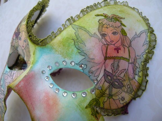 Free tutorial: Stamped and decorated carnival mask.