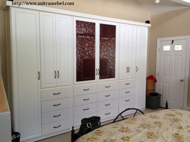 Desain Lemari Pakaian Minimalis Jumbo 8 Pintu Cat Duco yang kami tawarkan merupakan desain furniture lemari pakaian model minimalis terbaru dengan model 16 item laci pada bagian lemari tersebut. Kaya fungsi bukan?. iya pastinya.