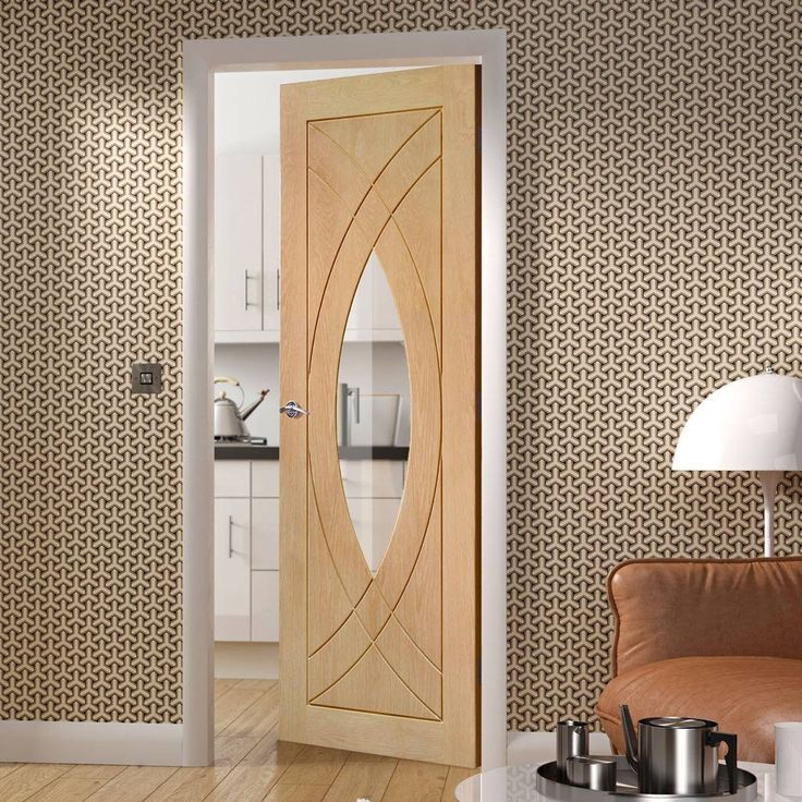 Our prefinished Treviso oak door is a beautiful option also fitted with toughened safety glass as standard to protect the children. #contemporarydoor #moderndoor #oakmoderndoor