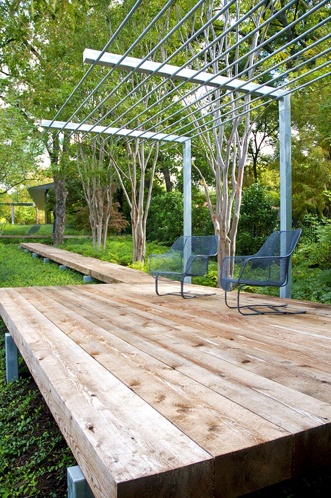 This thick timber deck detail is pretty cool. Pinned to Garden Design by Darin Bradbury of BASK Landscape Design.