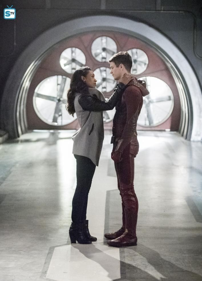 "#TheFlash 3x22 ""Infantino Street"" - Iris and Barry"