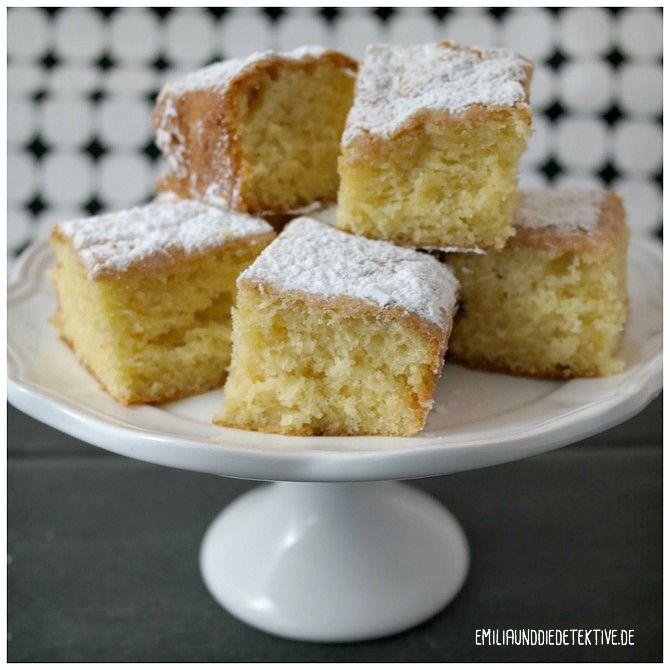 Blitzrezept für einen leckeren Zitronenkuchen vom Blech. Passend zu jeder Gelegenheit.