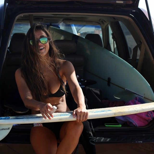 surfing-beauties:surfing-beautiesBEACH/GIRLS/SURFING