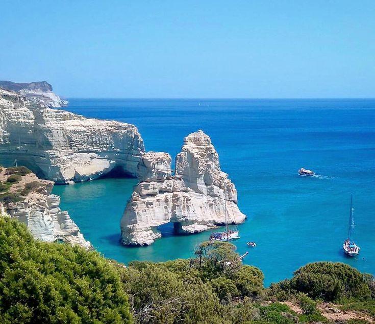 The spectacular kleftiko bay in Milos island (Μήλος)❤️.