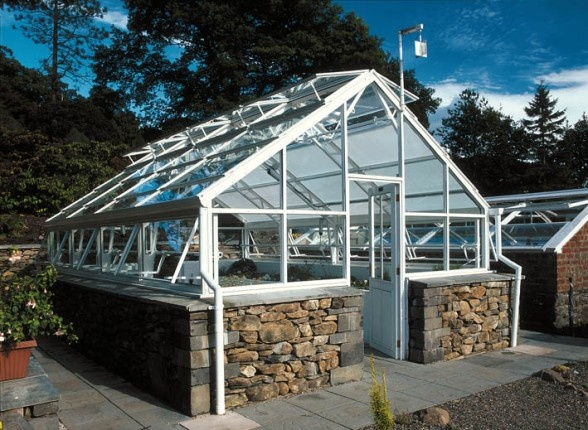 386 best Green house ideas images on Pinterest Greenhouse ideas