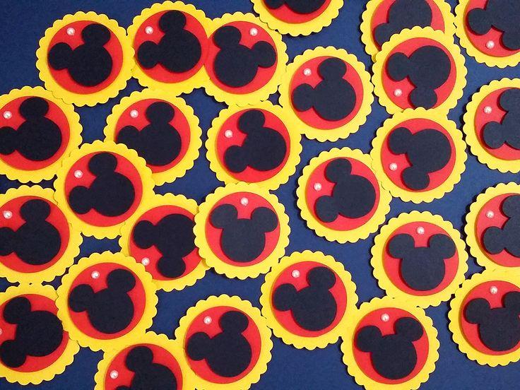 O ratinho mais famoso da Disney não pode faltar na decoração da sua festinha. Decore caixinhas, tubetes, garrafinhas e muito mais com estas lindas tags do Mickey. Festa Mickey.