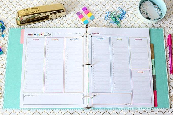 FREE PRINTABLE | Weekly Plan | Printable Student Binder | JustAGirlAndHerBlog.com