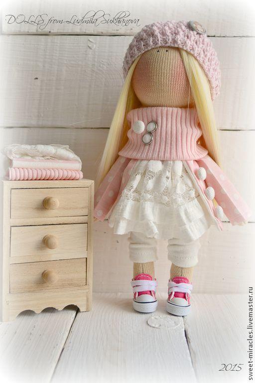 Купить Кукла-малыш в розово-сливочной гамме - бледно-розовый, белый цвет, куколка