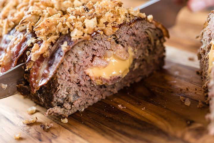 Bacon. Cheeseburger. Meatloaf. Yes, that's what you just read. This cheesy, over-the-top meatloaf can be made right in your slow cooker and tastes just like a bacon cheeseburger. Line your slow cooker crock with aluminum foil then set aside. In a large bowl, combine ground …