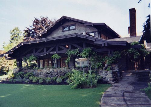 Classic exterior color schemes for your vintage craftsman for Craftsman style bungalow for sale