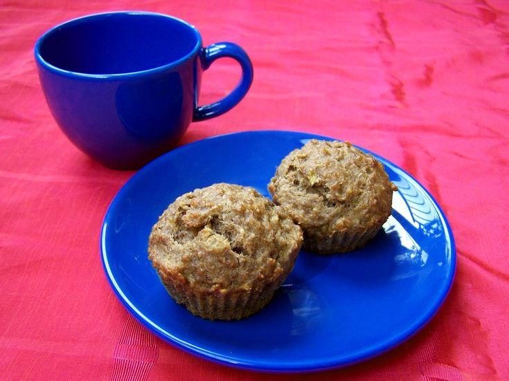 Suikervrije muffins met banaan, tarwekiemen en walnoot, veganistisch, zonder melk, zonder ei