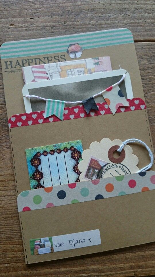 A tag pocket mail pouch thingy! I love it!   Post voor Djana, febr. '15